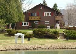 Lake Chalet Campground & Motel