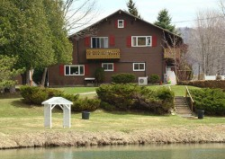 Lake Chalet Campground & Motel